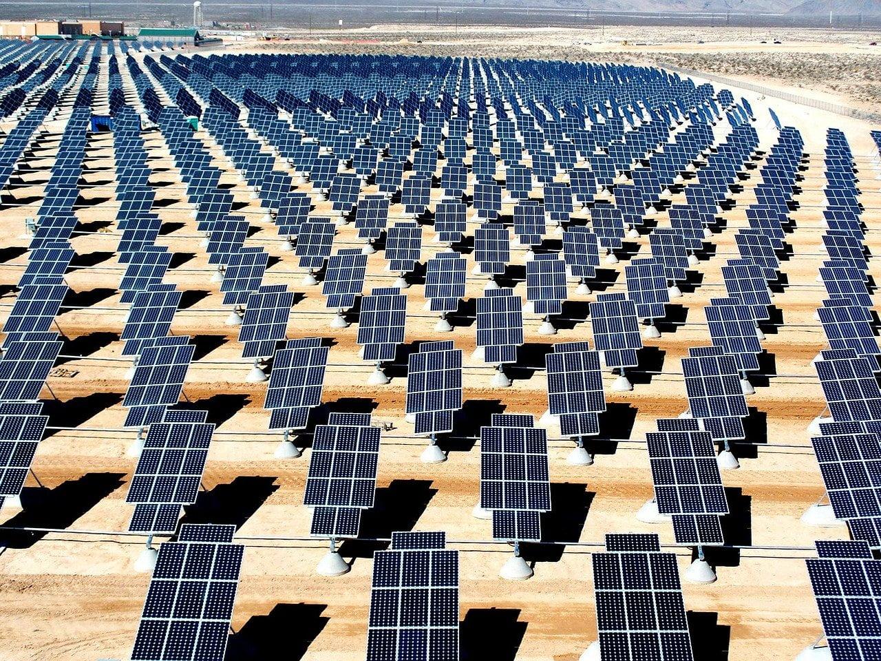 Farma prądu z paneli słonecznych w Krakowie